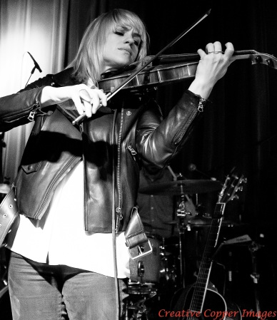 Anna Bulbrook and The Airborne Toxic Event: On the road again. Photo by TATE fan Jennifer McInnis, Vancouver, 2014.