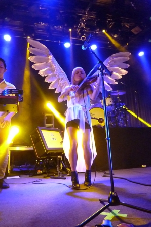 Angelic Anna Bulbrook. Photo by Stan Silverman, Sept. 20, 2014, The Fillmore San Francisco.