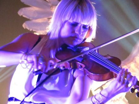 Anna Bulbrook played her heart out as The Airborne Toxic Event returned to NYC for the first time in over a year. Photo by Julie.