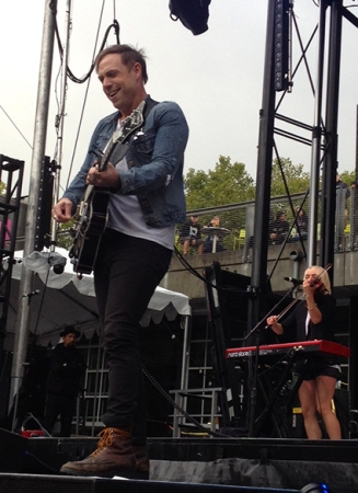 Mikel Jollett and The Airborne Toxic Event were in good spirits as the show finally got on the road.